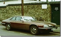Jaguar_XJS_at_tennis_club_1981