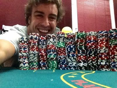 Фернандо Алонсо проводит хороший вечер за игрой в покер