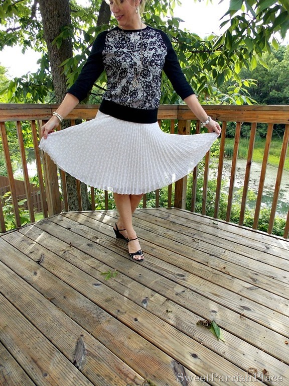 cream chiffom pleated skirt, lace front sweater, black sandals4