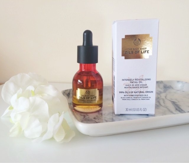 The Body Shop, The Body Shop Oils of Life, The Body Shop Intensely Revitalising Facial Oil, facial oils, skincare blogger, scottish blogger,