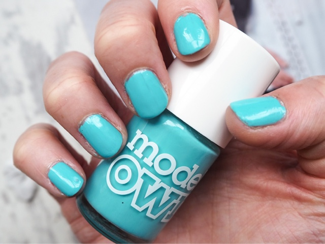 models-own-polish-for-tans-turquoise-sea-blue-nail-polish-uk-beauty-blog-manicure