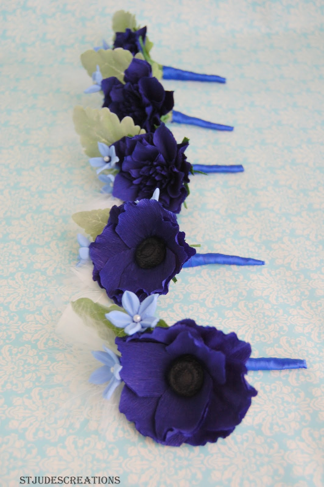 Amie 39 s blog royal blue wedding decorations for Midnight blue centerpieces