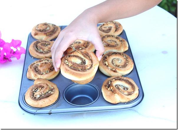 Muffin Kalıbında Haşhaşlı Cevizli Çörek