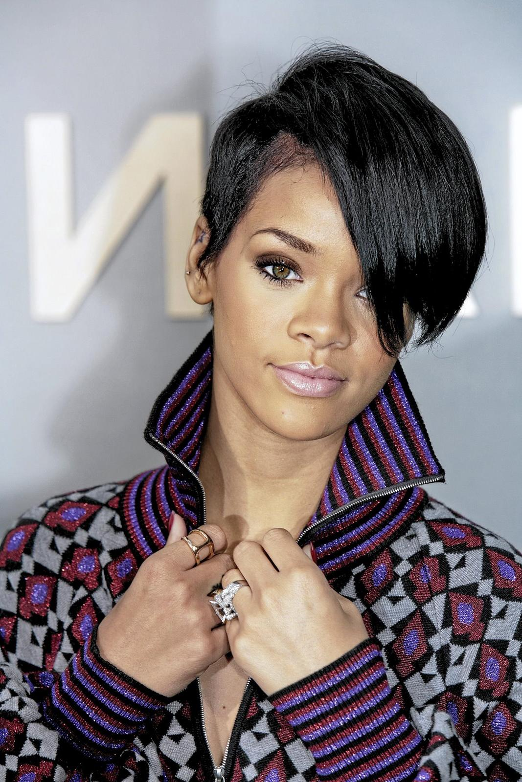 black short hair cut for