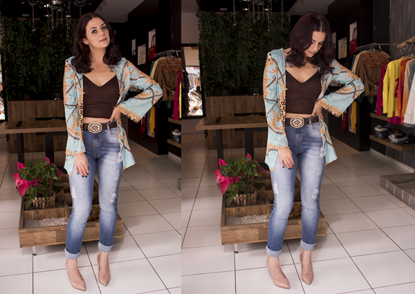 Look jeans, top cropped e camisa estampada (2)