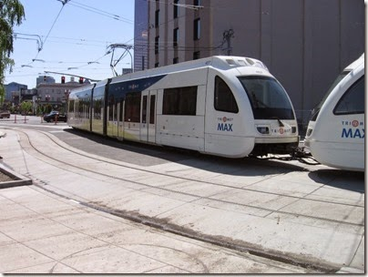 IMG_6065 TriMet MAX Type 4 Siemens S70 LRV #407 at Union Station in Portland, Oregon on May 9, 2009