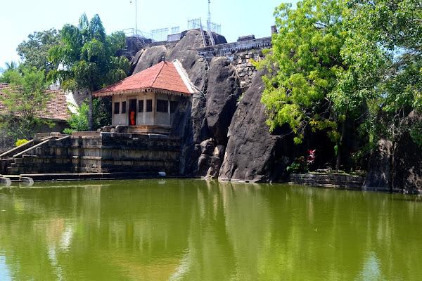 Храм, Изурумуния, Шри-Ланка