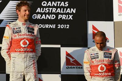Дженсон Баттон и Льюис Хэмилтон на подиуме Гран-при Австралии 2012