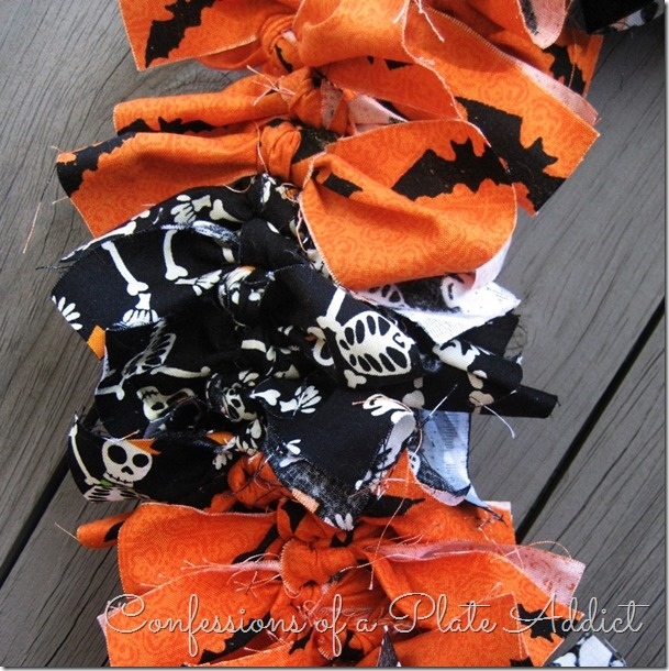CONFESSIONS OF A PLATE ADDICT Easy Halloween Wreath...Just Tie It!