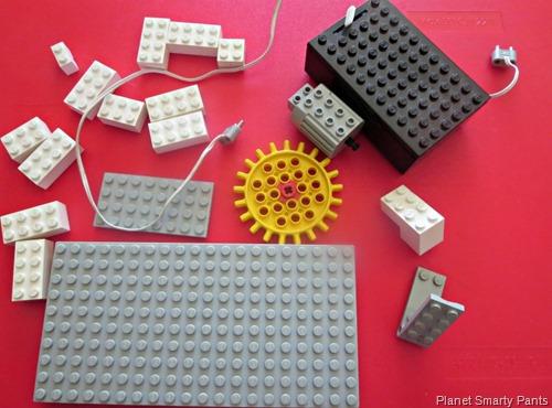 Lego-Pieces-Lego-Spin-Art