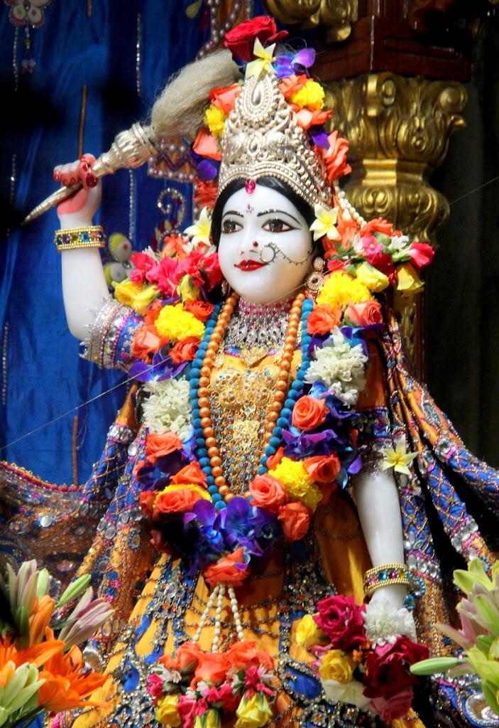ISKCON Juhu Sringar Deity Darshan 14 Jan 2016 (10)