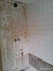 Tegels verwijderd voor plaatsing douchemengkraan