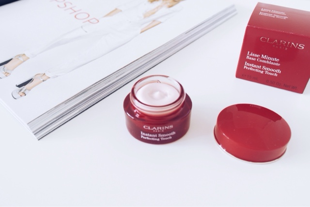 clarins instantly smooth perfecting touch primer review, beauty blogger