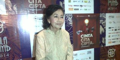 Pengisi suara bioskop 21. Maria Oentoe Tinangon