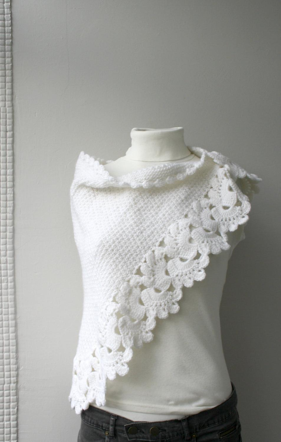 Free SHIPPING White Capelet