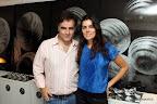 El artista Marcello Mortarotti expuso sus fotografías intervenidas en una de las habitaciones del hotel. Estuvo acompañado por su novia, Inés Sánchez Otharan, durante la inauguración del hotel. Foto: Producción Mirabaires.