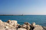 De ingang van de haven.