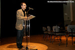 José Luis Ruiz del Puerto Director Artístico de las Jornadas, presentando los intérpretes y las guitarras del Concierto