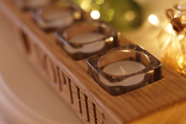 These Fair Hands hand crafted oak gift candle holder