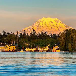 Mt Rainier at sunsetpix.jpg
