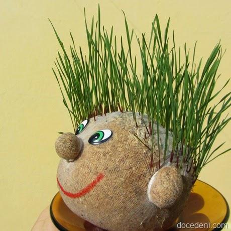 bonecos de grama