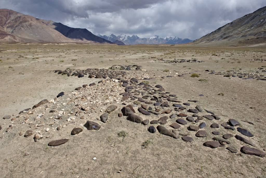 An ancient lunar calender lies at 3900 meters on the plateau. It makes you wonder of the times when it was built, and how much and at the same time how little the landscape and the people have changed since then.