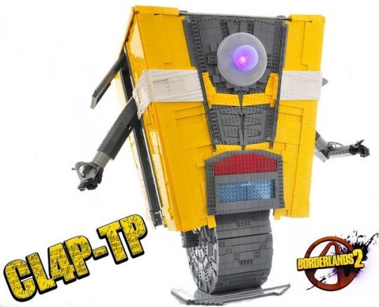 LEGO Claptrap (CL4P-TP) from Borderlands 2 by Simon Liu