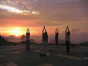 """yoga: """"saudação ao sol"""""""