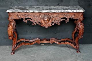 Антикварный консольный стол. 19-й век. Мраморная столешница, дерево, резьба. 144/56/86 см.