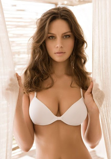 http://lh3.googleusercontent.com/-ZEnI6eFad58/TY5yo_GZpWI/AAAAAAAAADA/SzXyNiU4ySo/Sexy+Girl+Patricia+Beck+in+Plie+Ad+Campaign.jpg