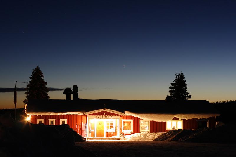 Nuit paisible sur la campagne lapone