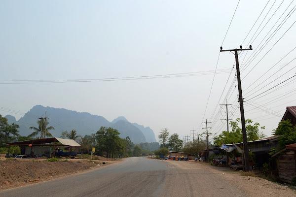 лаос дорога горы автостоп