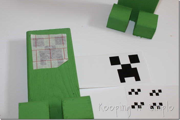 Easy-DIY-Minecraft-Creeper-Book-Ends (5)