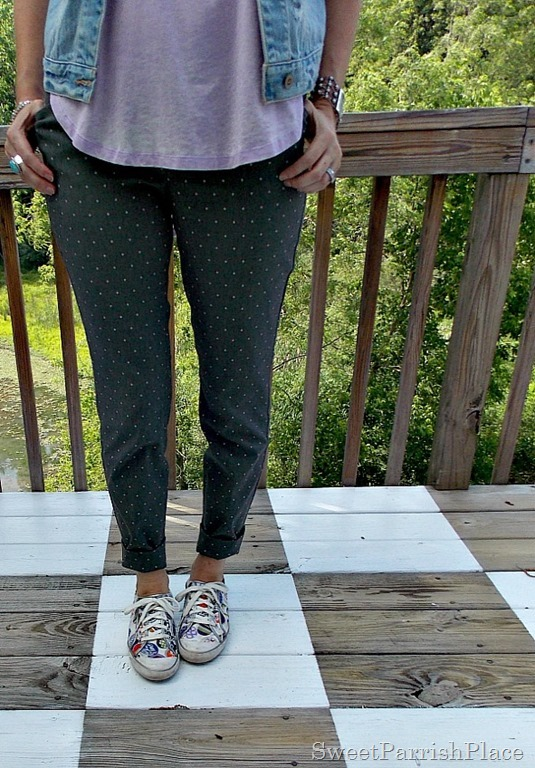 grey polka dot pants, lilac high low shirt, denim vest, sneakers1