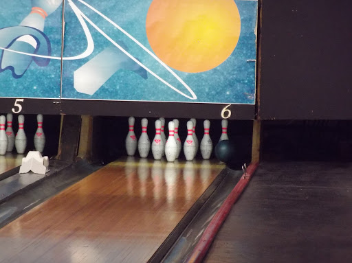 Western Lanes Bowling & Overtime Lounge, 5013 49 St, Wetaskiwin, AB T9A 1H6, Canada, Bowling Alley, state Alberta