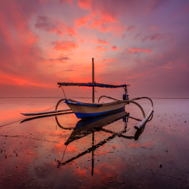 Alone by Choky Ochtavian Watulingas - Transportation Other ( clouds, dawn, seaweeds, reflections, seascape, sunrise, boat, skies )
