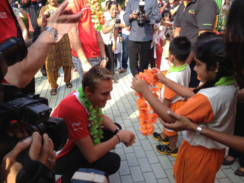 Макс Чилтон в малайзийской школе Taarana на Гран-при Малайзии 2013