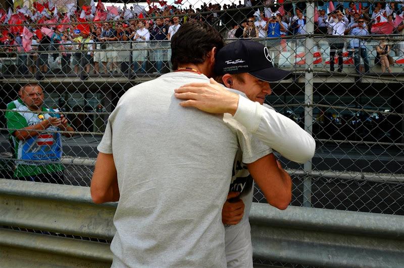 Марк Уэббер и Нико Росберг на стартовой решетке Гран-при Австрии 2014