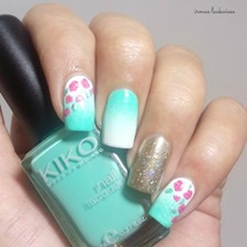 nailart-mint-milk-with-gradient-gold-and-roses-2