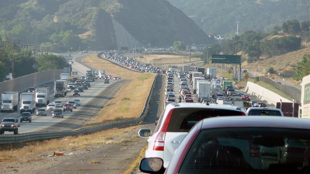 Los Angeles Traffic at The Newhall Pass, 2 June 2008. Photo: Jeff Turner / flickr