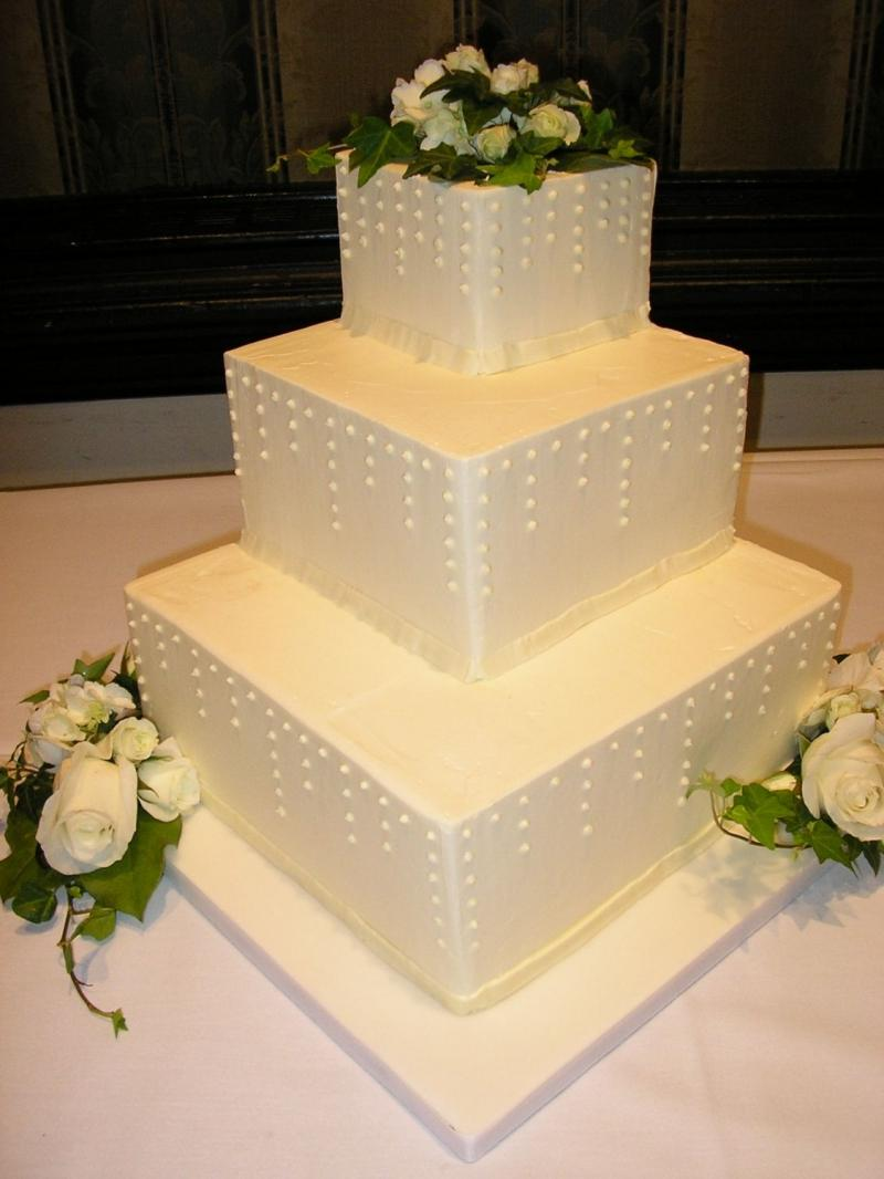 3 tiers wedding cake square