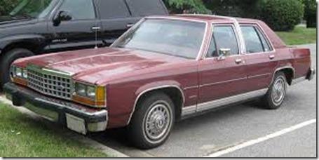 Ford-1983-LTD-Crown_Victoria_sedan_1