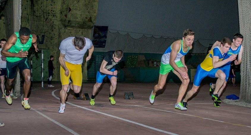 Фотографии. ХАИ, Легкоатлеты готовятся к спартакиаде Аэрокосмического университета