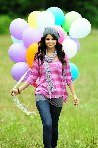 Selena Gomez cute (8)