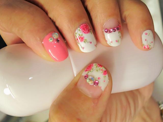 Delicate Roses Nail Art Nail Wrap MDS1013