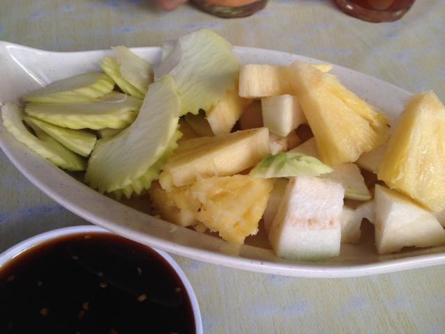 Mangga nanas jambu batu sengkuang cicah kuah rojak