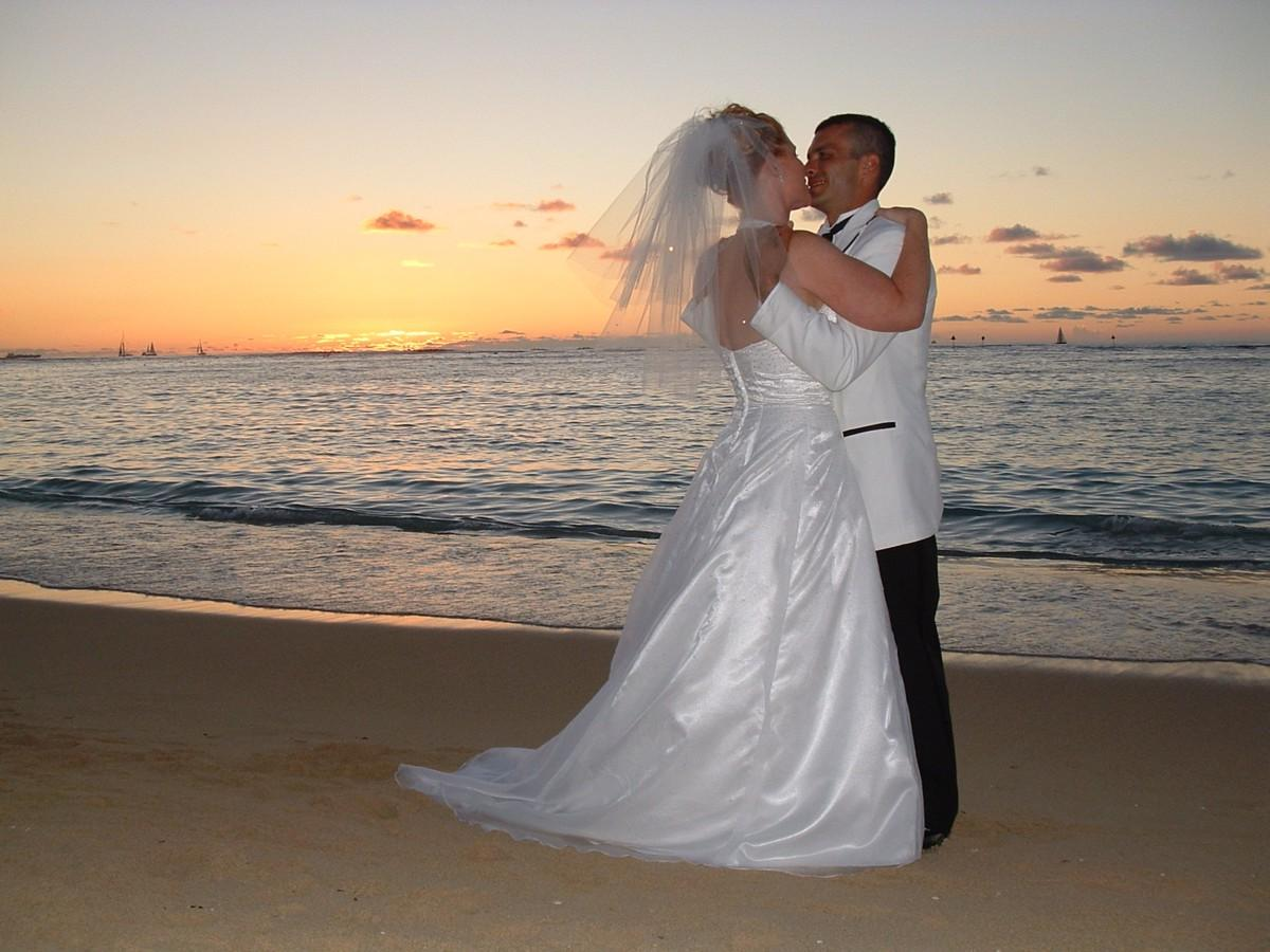 hawaiian wedding setups