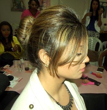 Oceane_femme_maquiagem_cabelo_Pink_perfumaria_bonsucesso_rosquinha_dounut_coque_acesorio_penteado_rio de janeiro_Encontro_blogueiras_workshop (3)