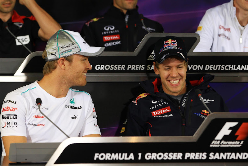 Нико Росберг и Себастьян Феттель на пресс-конференции в четверг на Гран-при Германии 2012
