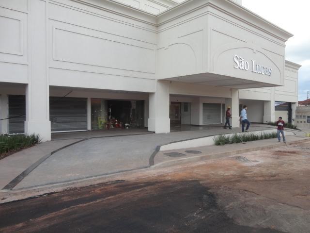Sala comercial à venda, Abadia, Uberaba - SA0042.